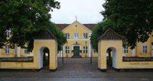 Silkeborg Museum med byens ældste indbygger: Tollundmanden.